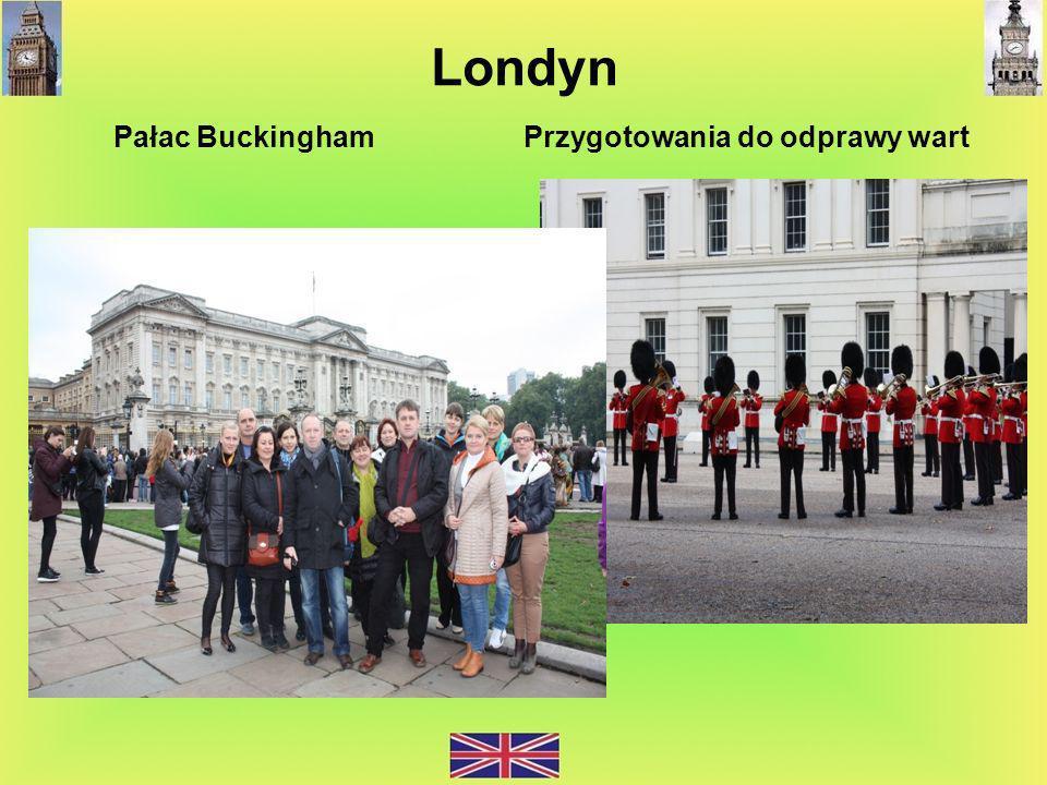 Londyn Pałac Buckingham Przygotowania do odprawy wart