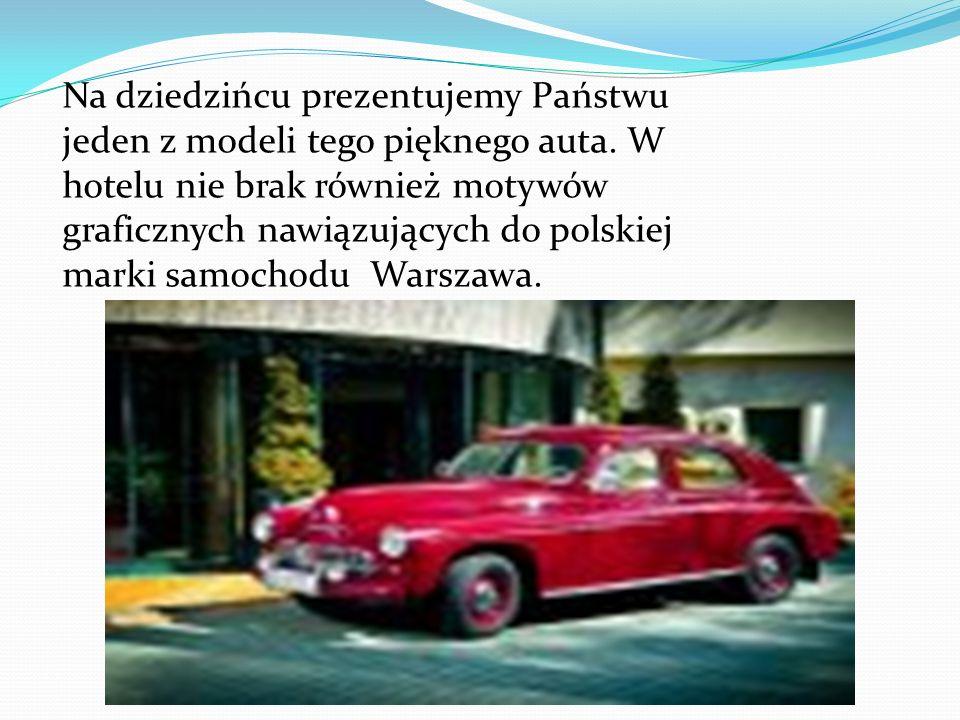 Na dziedzińcu prezentujemy Państwu jeden z modeli tego pięknego auta