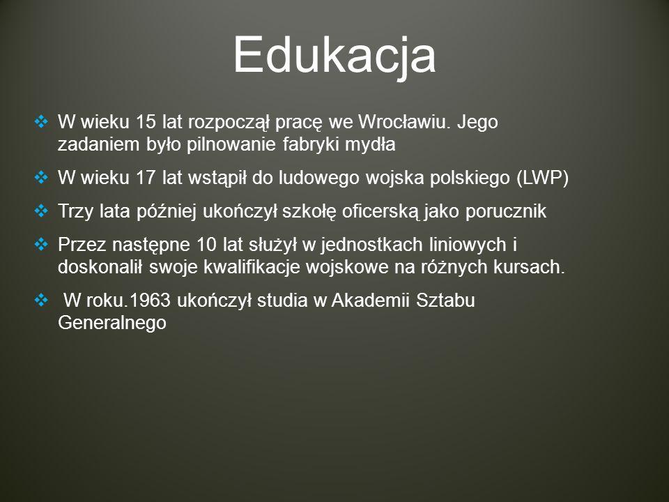 Edukacja W wieku 15 lat rozpoczął pracę we Wrocławiu. Jego zadaniem było pilnowanie fabryki mydła.