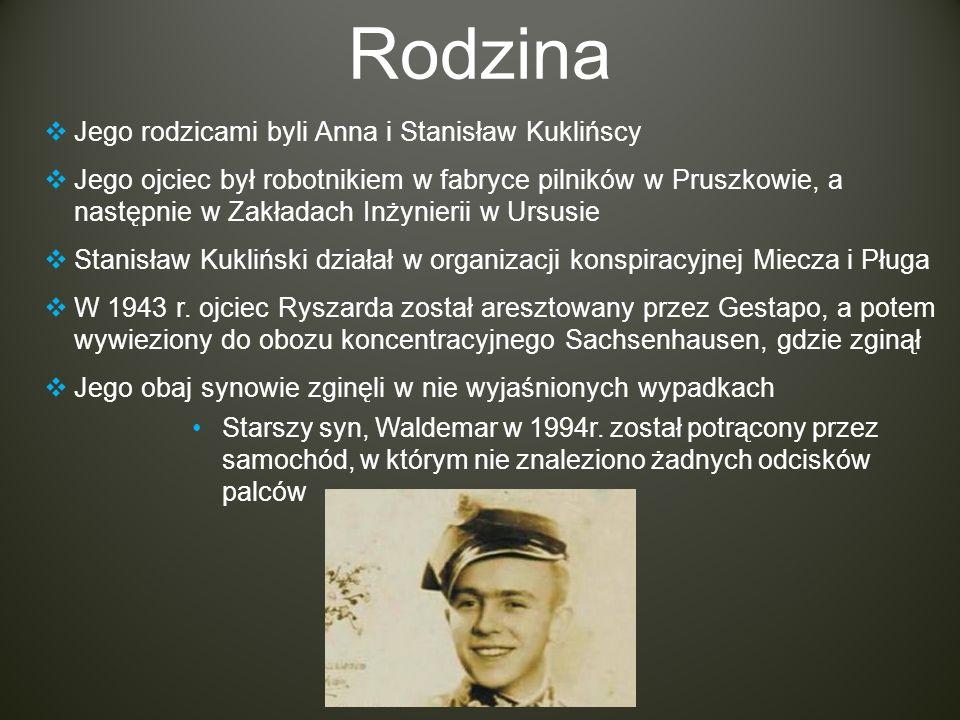 Rodzina Jego rodzicami byli Anna i Stanisław Kuklińscy