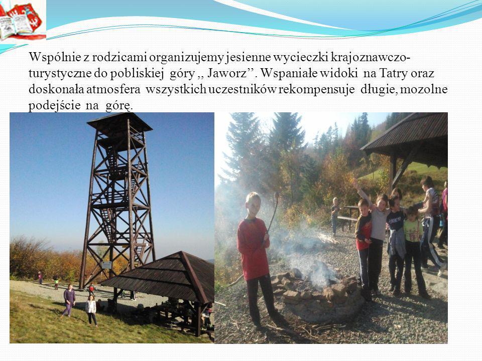 Wspólnie z rodzicami organizujemy jesienne wycieczki krajoznawczo- turystyczne do pobliskiej góry ,, Jaworz''.