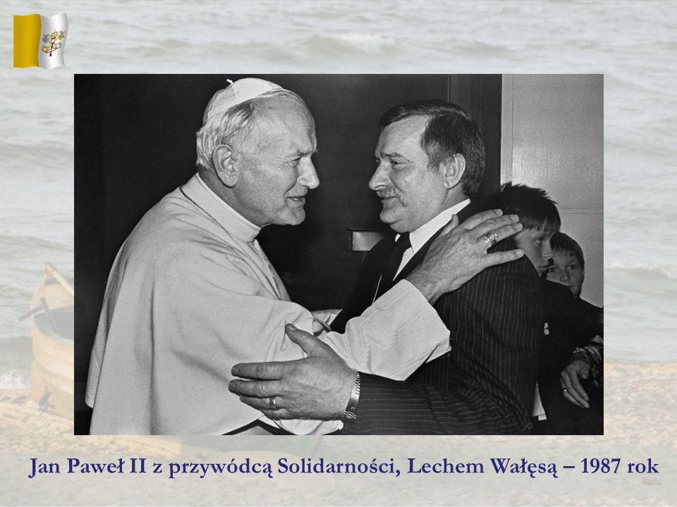 Jan Paweł II z przywódcą Solidarności, Lechem Wałęsą – 1987 rok