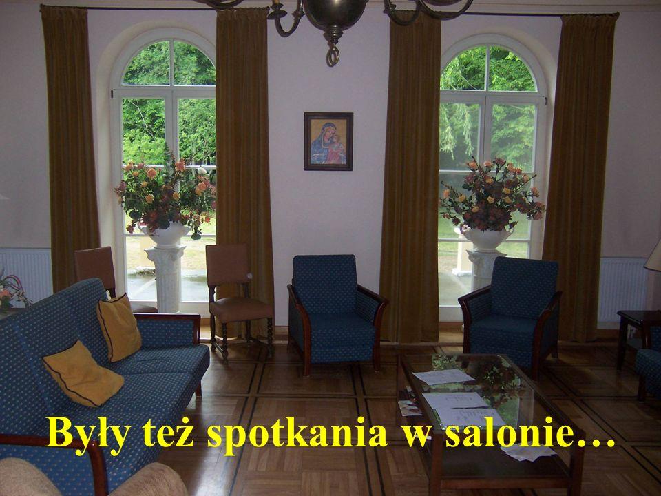 Były też spotkania w salonie…