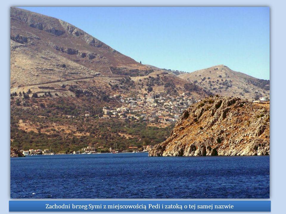 Zachodni brzeg Symi z miejscowością Pedi i zatoką o tej samej nazwie