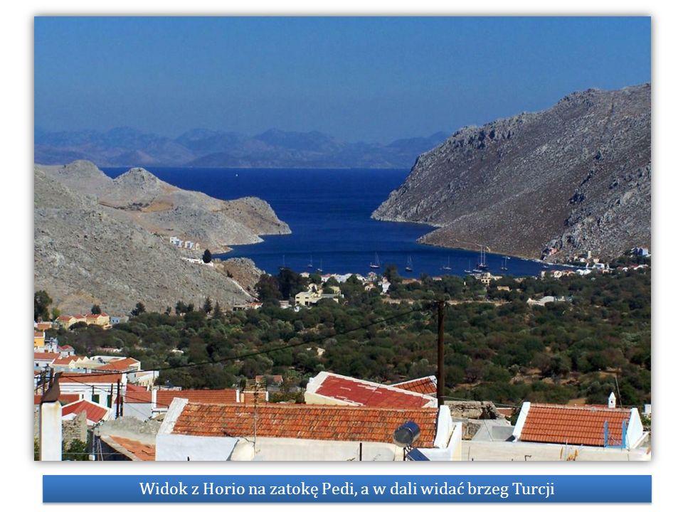 Widok z Horio na zatokę Pedi, a w dali widać brzeg Turcji