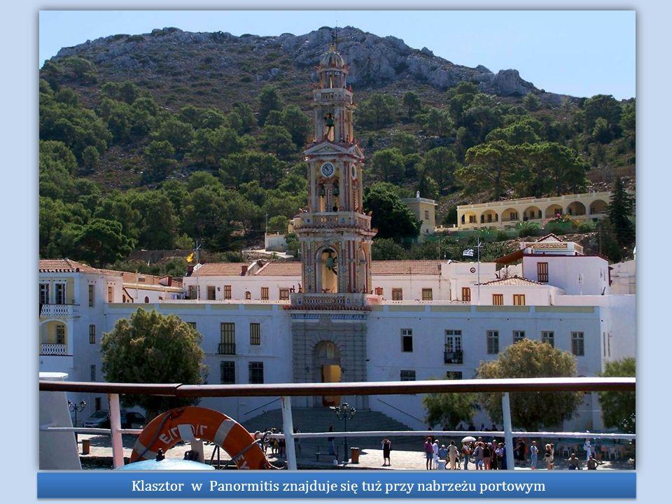 Klasztor w Panormitis znajduje się tuż przy nabrzeżu portowym