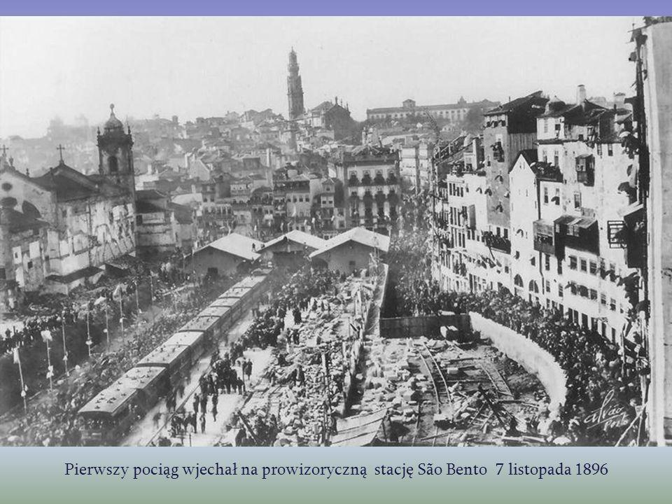Pierwszy pociąg wjechał na prowizoryczną stację São Bento 7 listopada 1896