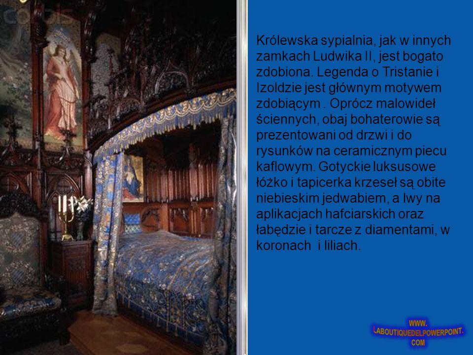 Królewska sypialnia, jak w innych zamkach Ludwika II, jest bogato zdobiona.