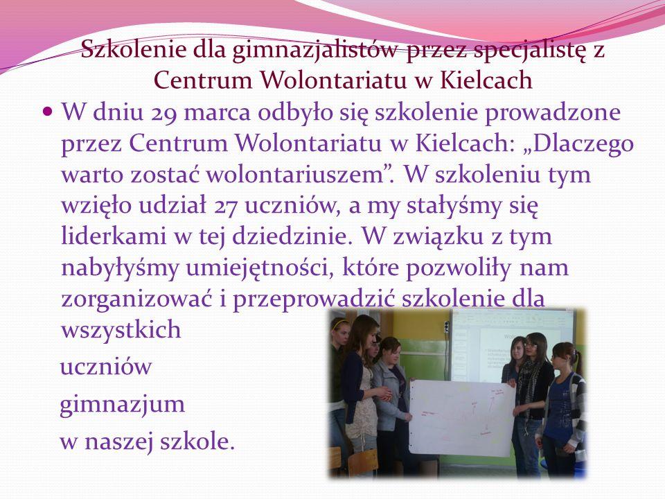 Szkolenie dla gimnazjalistów przez specjalistę z Centrum Wolontariatu w Kielcach