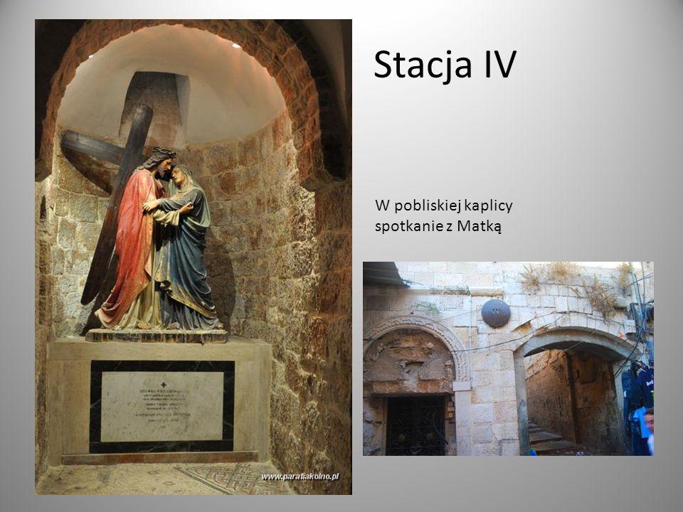 Stacja IV W pobliskiej kaplicy spotkanie z Matką
