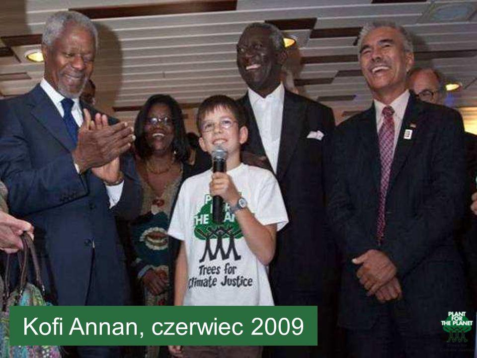 Tutaj widzicie Felixa razem z Kofi Annanem, to ta osoba po lewej stronie w ciemnym krawacie.