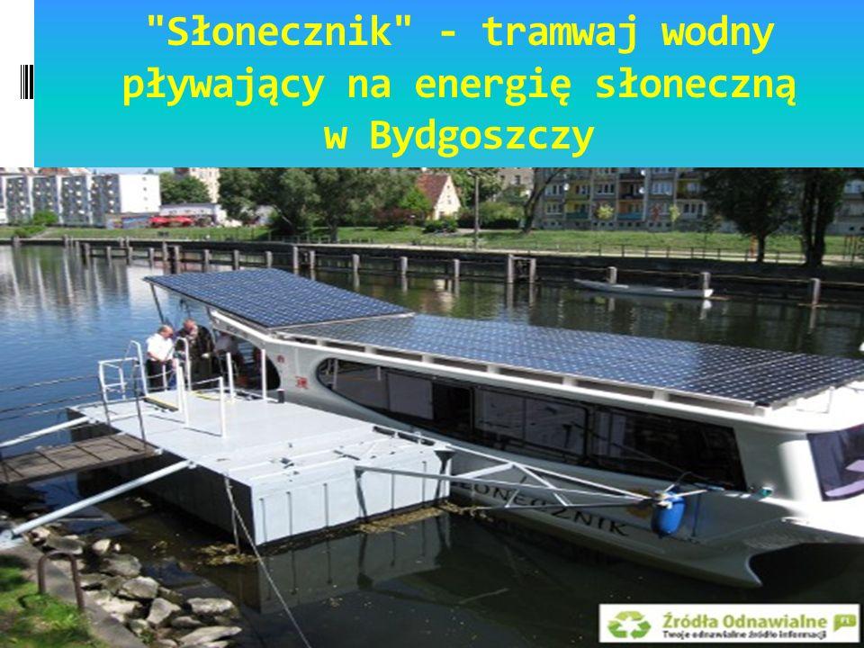 Słonecznik - tramwaj wodny pływający na energię słoneczną w Bydgoszczy