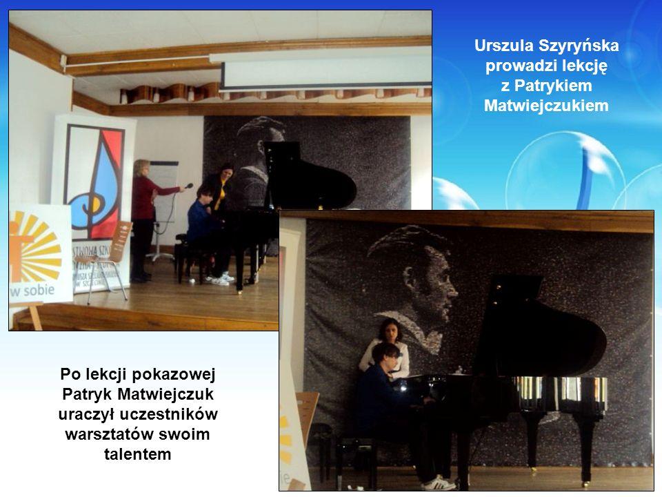 Urszula Szyryńska prowadzi lekcję z Patrykiem Matwiejczukiem