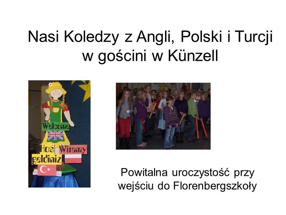 Powitalna uroczystość przy wejściu do Florenbergszkoły