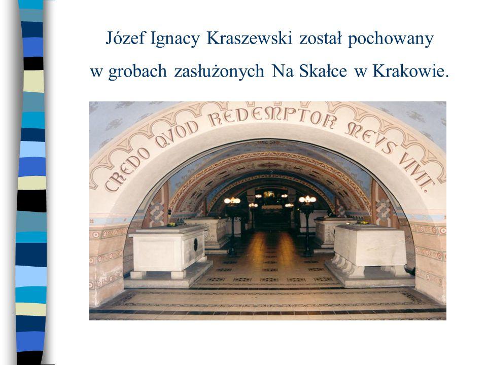 Józef Ignacy Kraszewski został pochowany w grobach zasłużonych Na Skałce w Krakowie.