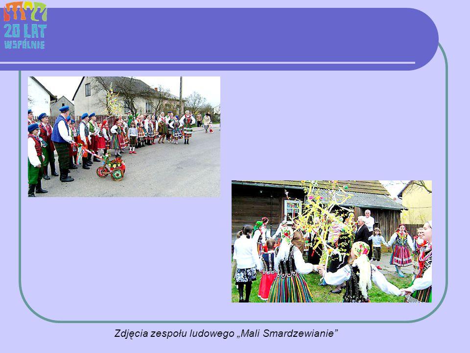 """Zdjęcia zespołu ludowego """"Mali Smardzewianie"""