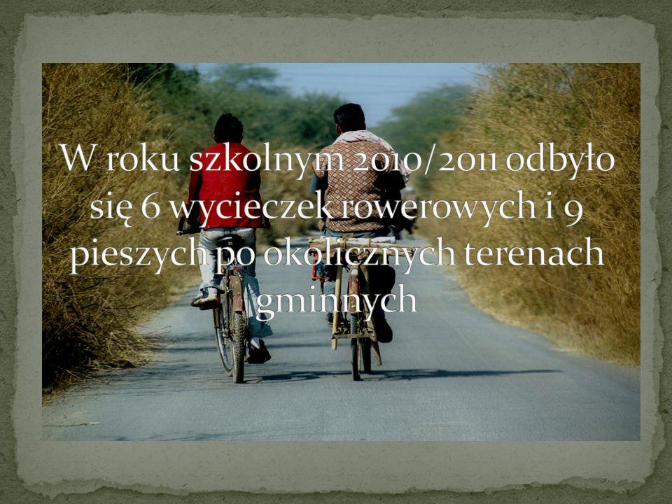W roku szkolnym 2010/2011 odbyło się 6 wycieczek rowerowych i 9 pieszych po okolicznych terenach gminnych
