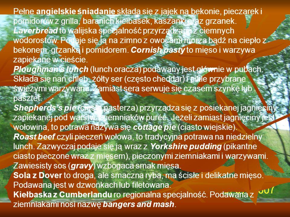 Pełne angielskie śniadanie składa się z jajek na bekonie, pieczarek i pomidorów z grilla, baranich kiełbasek, kaszanki oraz grzanek.
