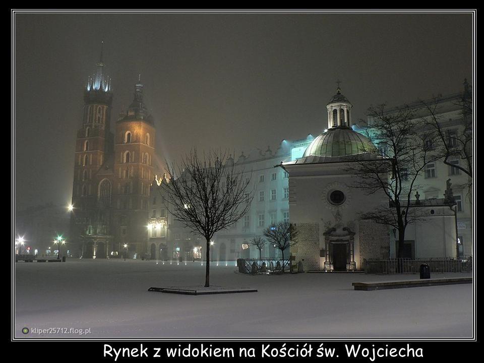 Rynek z widokiem na Kościół św. Wojciecha