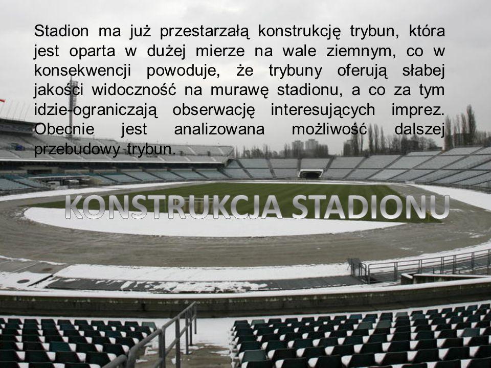 Stadion ma już przestarzałą konstrukcję trybun, która jest oparta w dużej mierze na wale ziemnym, co w konsekwencji powoduje, że trybuny oferują słabej jakości widoczność na murawę stadionu, a co za tym idzie-ograniczają obserwację interesujących imprez. Obecnie jest analizowana możliwość dalszej przebudowy trybun.