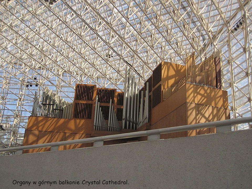 Organy w górnym balkonie Crystal Cathedral.
