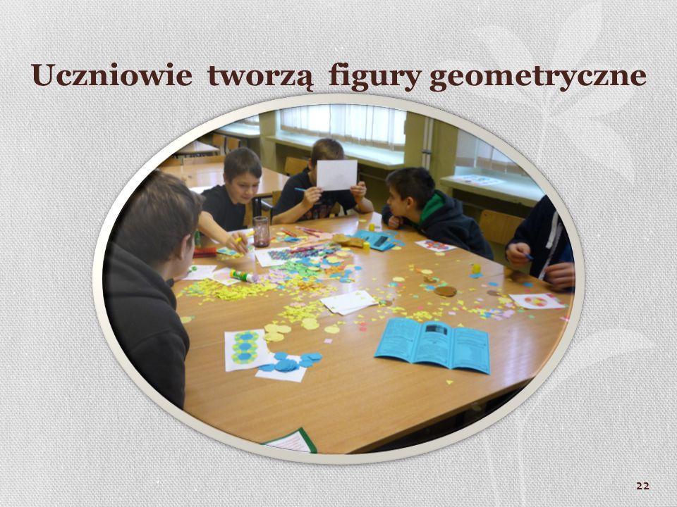 Uczniowie tworzą figury geometryczne