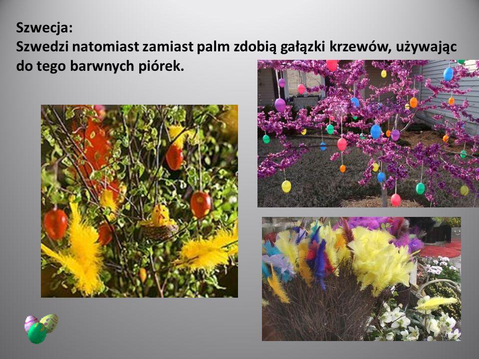 Szwecja: Szwedzi natomiast zamiast palm zdobią gałązki krzewów, używając do tego barwnych piórek.