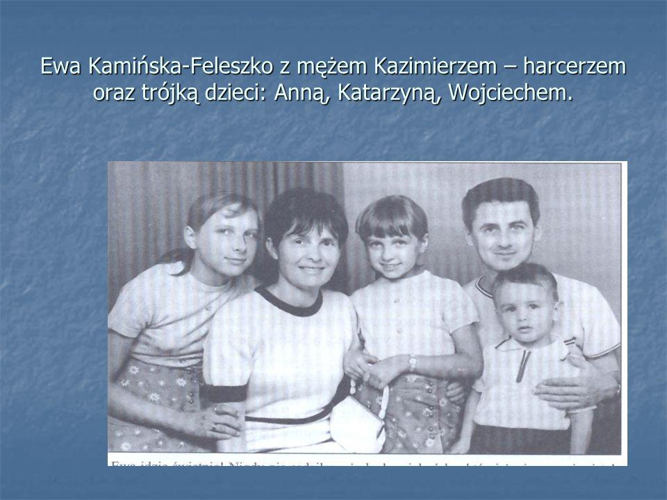 Ewa Kamińska-Feleszko z mężem Kazimierzem – harcerzem oraz trójką dzieci: Anną, Katarzyną, Wojciechem.
