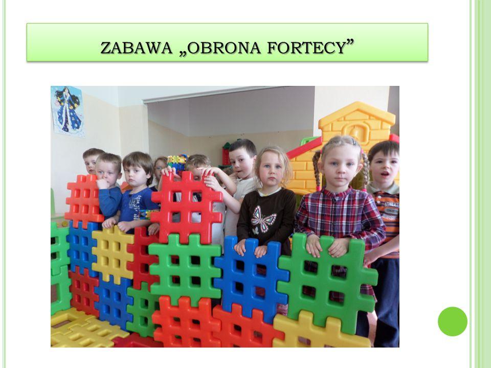 "zabawa ""obrona fortecy"