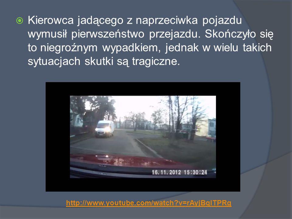 Kierowca jadącego z naprzeciwka pojazdu wymusił pierwszeństwo przejazdu. Skończyło się to niegroźnym wypadkiem, jednak w wielu takich sytuacjach skutki są tragiczne.