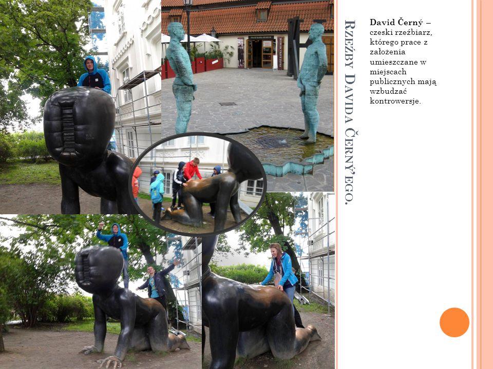 Rzeźby Davida Černý'ego.