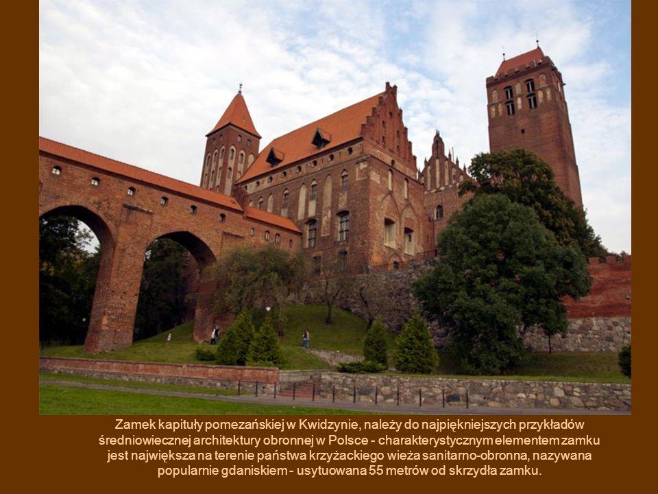 Zamek kapituły pomezańskiej w Kwidzynie, należy do najpiękniejszych przykładów średniowiecznej architektury obronnej w Polsce - charakterystycznym elementem zamku jest największa na terenie państwa krzyżackiego wieża sanitarno-obronna, nazywana popularnie gdaniskiem - usytuowana 55 metrów od skrzydła zamku.