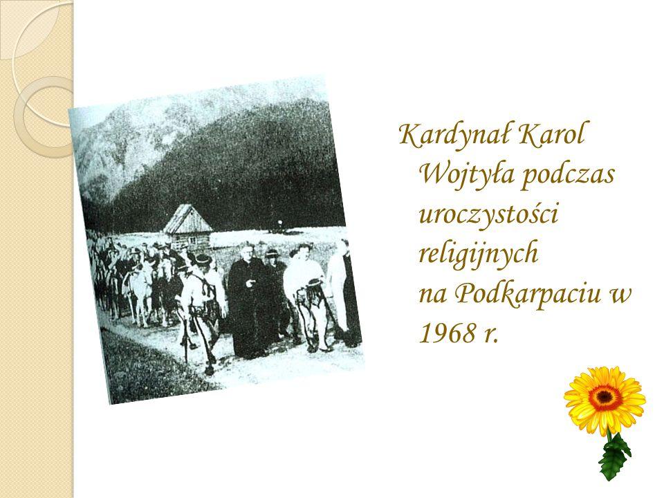 Kardynał Karol Wojtyła podczas uroczystości religijnych na Podkarpaciu w 1968 r.