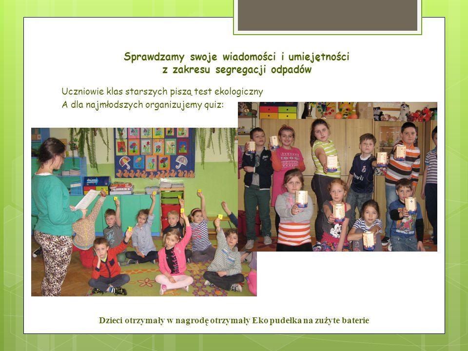 Dzieci otrzymały w nagrodę otrzymały Eko pudełka na zużyte baterie