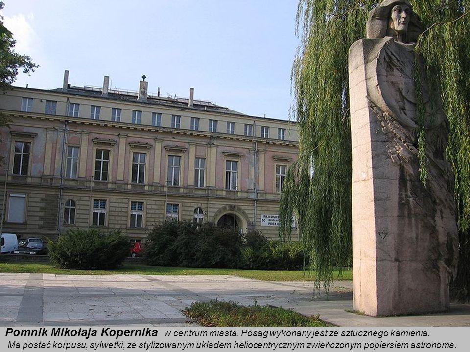 Pomnik Mikołaja Kopernika w centrum miasta