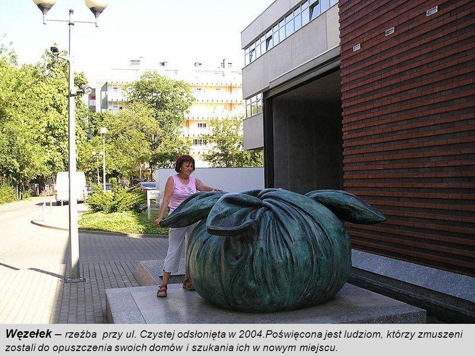 Węzełek – rzeźba przy ul. Czystej odsłonięta w 2004