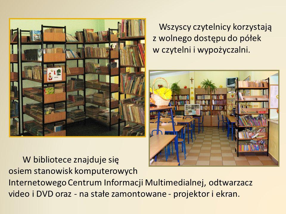 Wszyscy czytelnicy korzystają z wolnego dostępu do półek w czytelni i wypożyczalni.