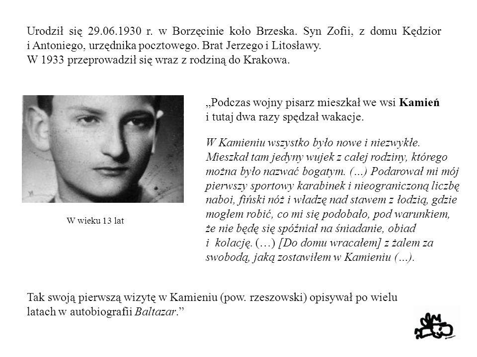W 1933 przeprowadził się wraz z rodziną do Krakowa.