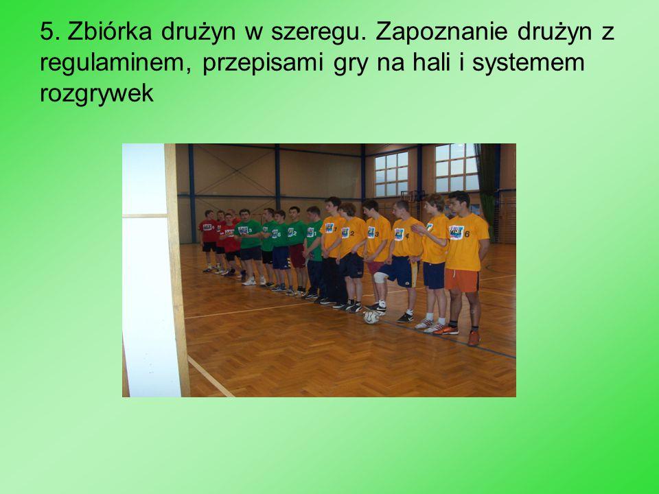 5. Zbiórka drużyn w szeregu