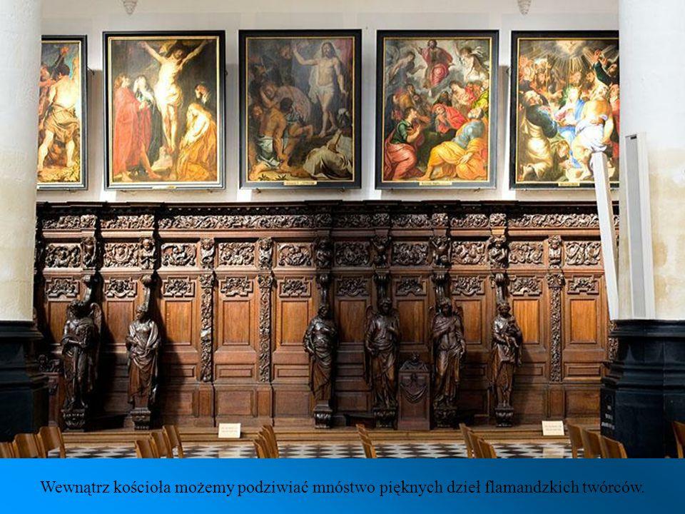 Wewnątrz kościoła możemy podziwiać mnóstwo pięknych dzieł flamandzkich twórców.