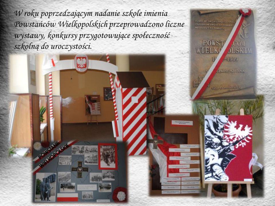 W roku poprzedzającym nadanie szkole imienia Powstańców Wielkopolskich przeprowadzono liczne wystawy, konkursy przygotowujące społeczność szkolną do uroczystości.