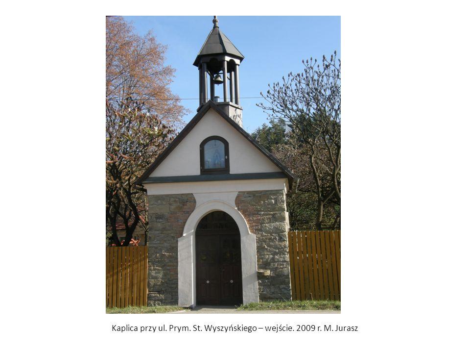 Kaplica przy ul. Prym. St. Wyszyńskiego – wejście. 2009 r. M. Jurasz