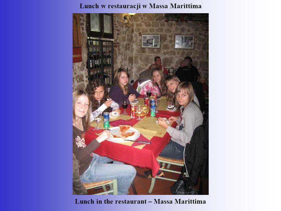Lunch w restauracji w Massa Marittima