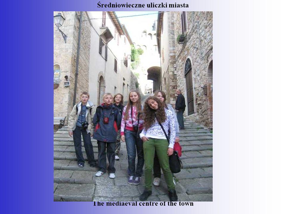 Średniowieczne uliczki miasta