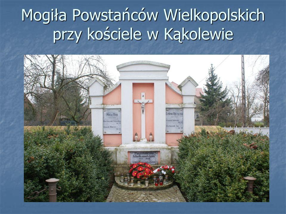 Mogiła Powstańców Wielkopolskich przy kościele w Kąkolewie