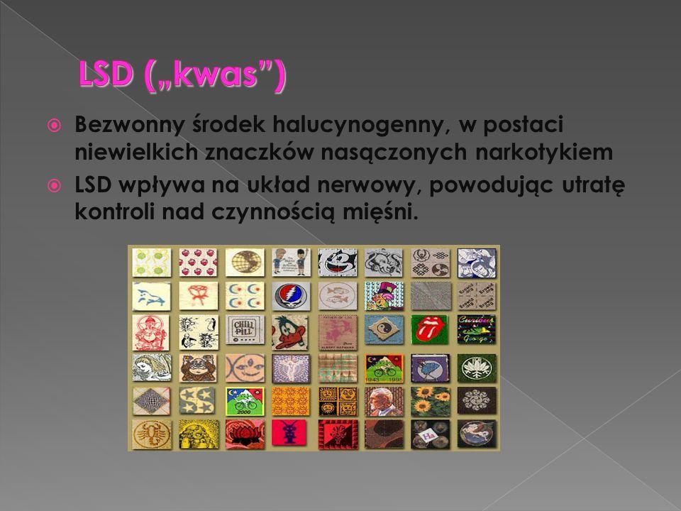 """LSD (""""kwas ) Bezwonny środek halucynogenny, w postaci niewielkich znaczków nasączonych narkotykiem."""