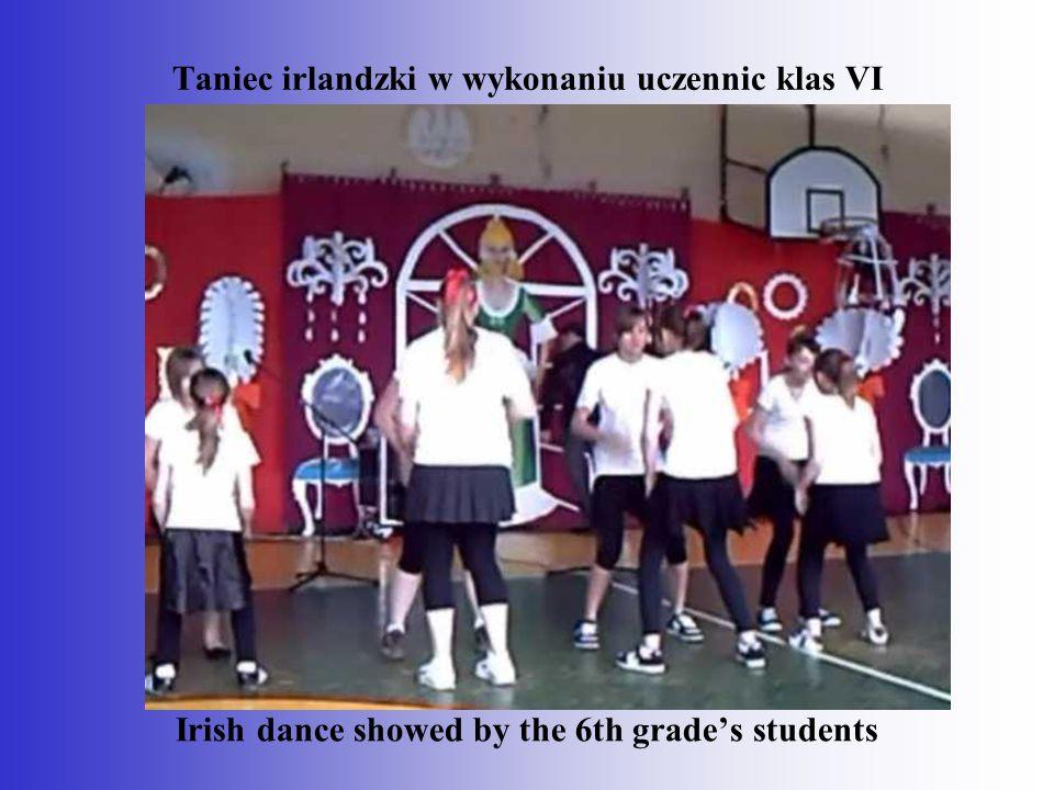 Taniec irlandzki w wykonaniu uczennic klas VI
