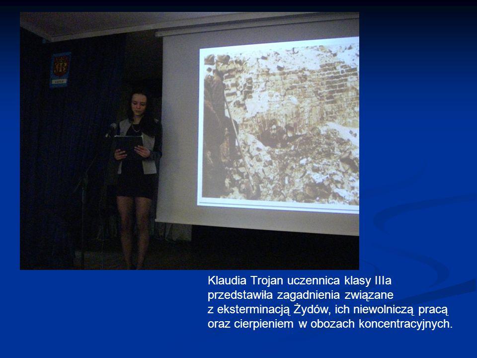 Klaudia Trojan uczennica klasy IIIa