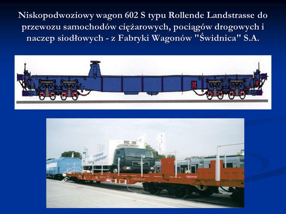 Niskopodwoziowy wagon 602 S typu Rollende Landstrasse do przewozu samochodów ciężarowych, pociągów drogowych i naczep siodłowych - z Fabryki Wagonów Świdnica S.A.