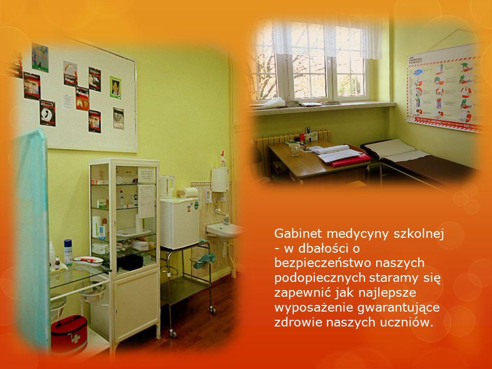 Gabinet medycyny szkolnej - w dbałości o bezpieczeństwo naszych podopiecznych staramy się zapewnić jak najlepsze wyposażenie gwarantujące zdrowie naszych uczniów.